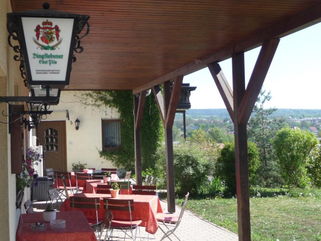 Terrasse und Biergarten mit schöner Aussicht auf Hildburghausen